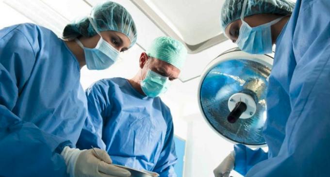 Médicos alemanes realizan cirugías gratuitas en Presidente Franco