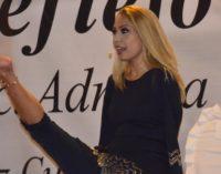Adriana Macías se presenta en Paraguay
