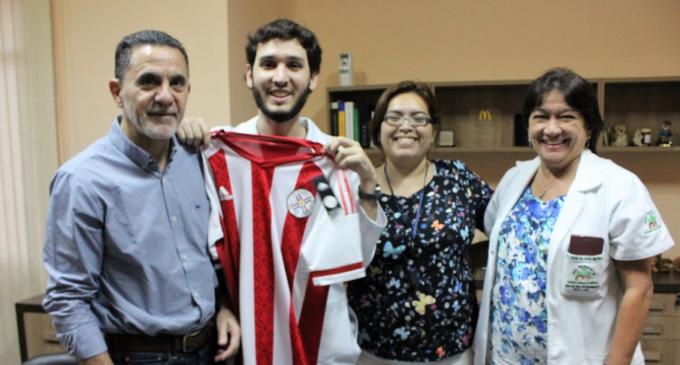 Médicos brasileros hacen pasantía en Hospital Acosta Ñu