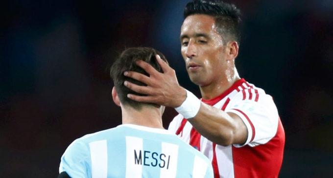Lucas Barrios en la mira del Colo Colo