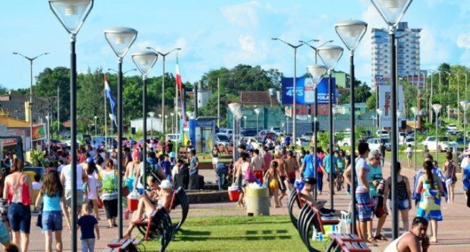 Turismo y precios bajos atraen a 10 mil argentinos diariamente, afirman