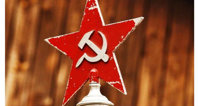 ¿Cuál es el significado de la hoz y el martillo, el máximo emblema de la Revolución Rusa y el comunismo?