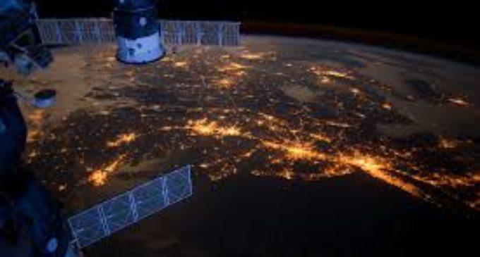 La Tierra brilla y se contamina como nunca