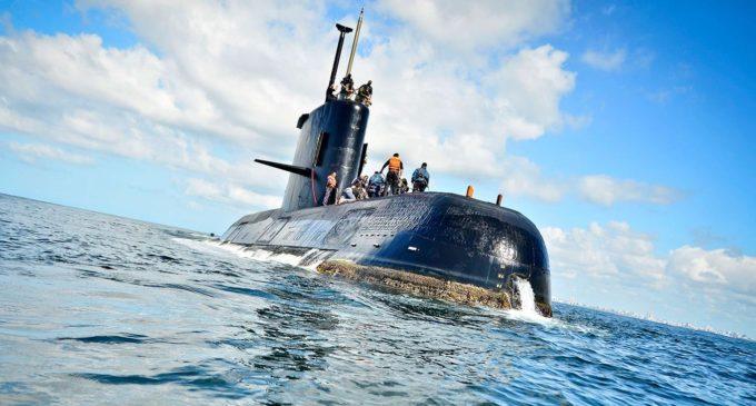 Francisco instá a ahondar esfuerzos para encontrar el submarino desaparecido
