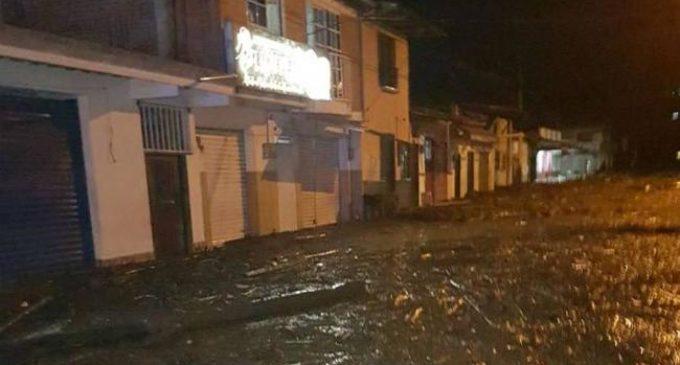 Más de 200 afectados y 4 muertos, tras crecida de un río en Colombia