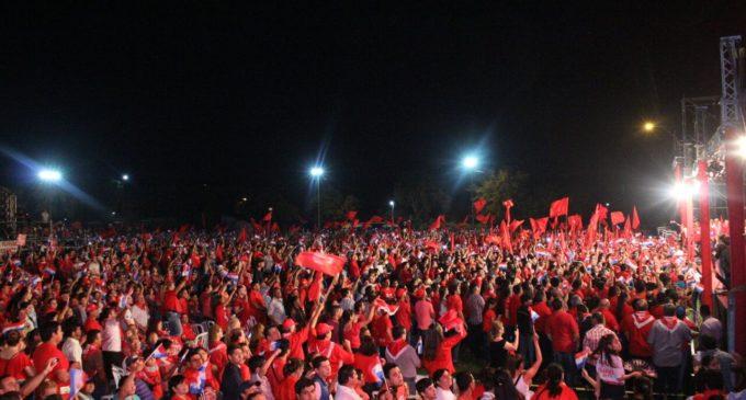 Candidatos colorados ante multitudes realizaron cierres de campaña