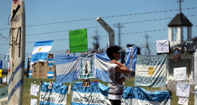 Familias piden a gritos que siga la búsqueda del ARA San Juan