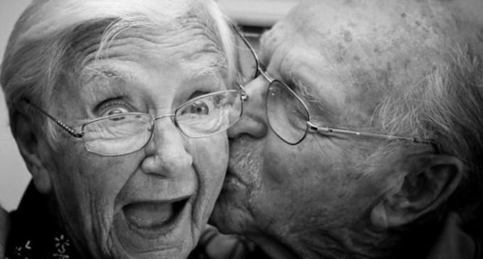 Investigación encuentra puntos comunes en ancianos que viven cerca de 100 años