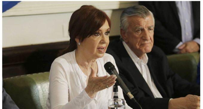 """Cristina Kirchner dice que la causa por la que la acusan es """"inventada"""""""