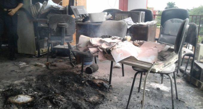 Un microondas que quedó enchufado habría causado el incendio en Fiscalía de Luque, señalan
