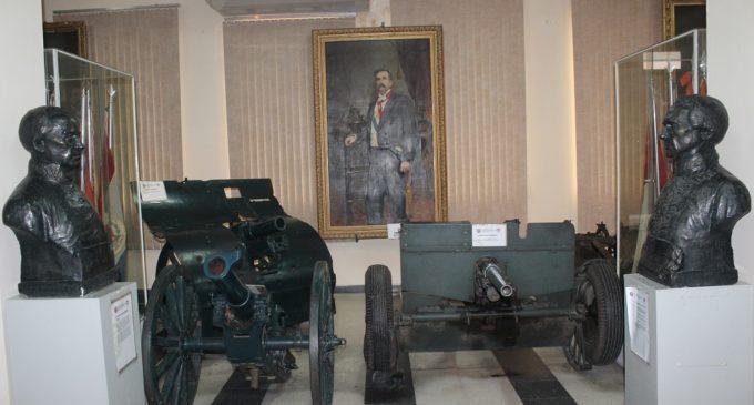 Objetos y documentos históricos del Museo Militar serán restaurados y digitalizados