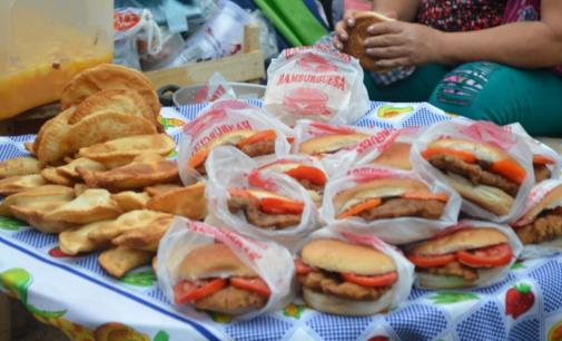 Atención con los alimentos en Caacupé