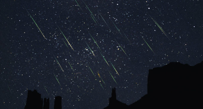 Lluvia de meteoritos podrá verse esta madrugada en todo el país