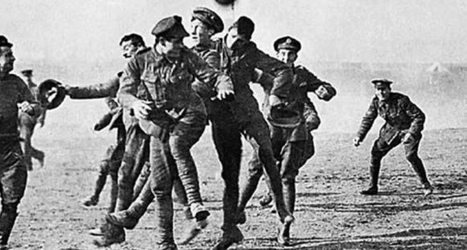 El partido de fútbol que unió a ingleses y alemanes en plena Guerra Mundial