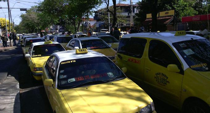 Taxistas también analizan suba en tarifas