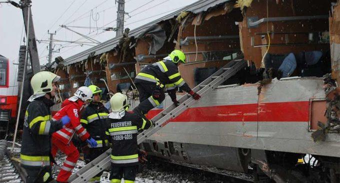Un muerto y 22 heridos en Austria tras colición de trenes