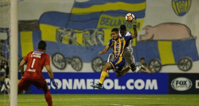 Luque triunfa en su debut sudamericano