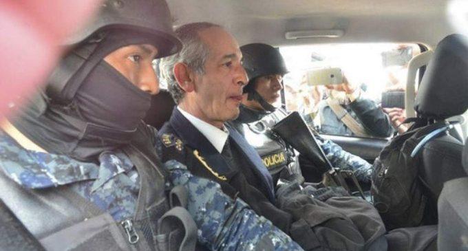 Arrestan a expresidente de Guatemala y al presidente de Oxfam por corrupción
