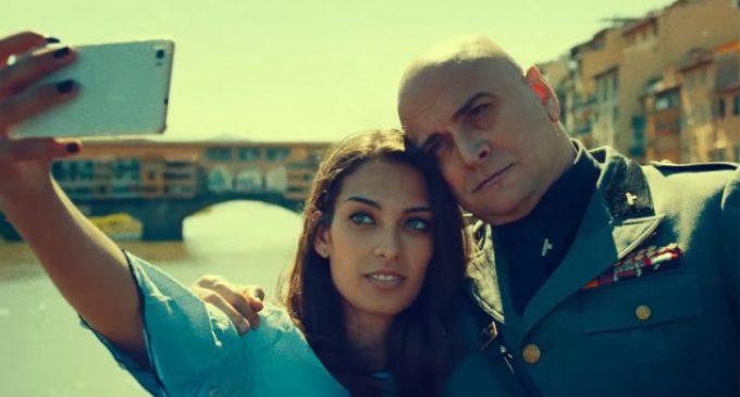 """El estreno del """"regreso"""" de Mussolini crea polémica en Italia"""