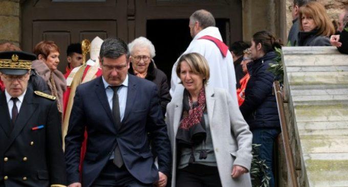 Francia rinde tributo a víctimas de atentado del Estado Islámico