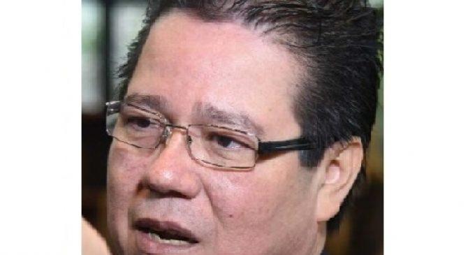 Funcionarios de la Contraloría piden que Enrique García renuncie al cargo