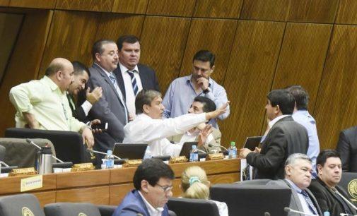 Posiciones encontradas entre diputados liberales sobre anteproyecto de juicio político a Contralor