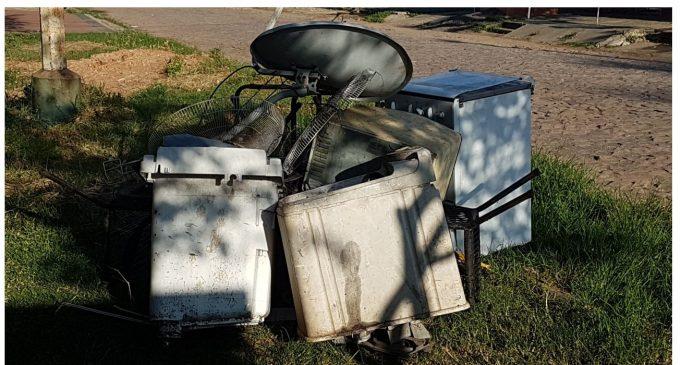 Critican que camiones recolectores de basura no lleven electrodomésticos