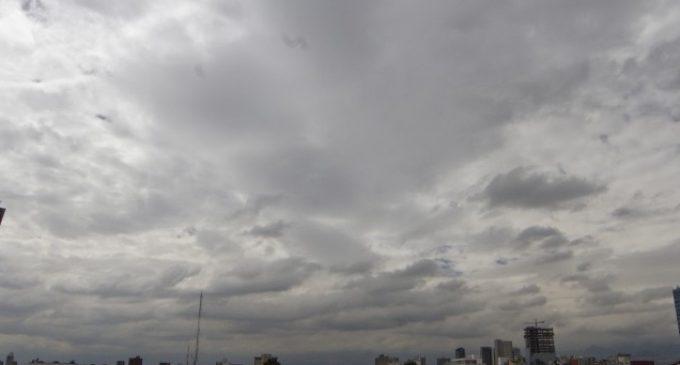 Anuncian miércoles fresco a cálido y con lluvias dispersas