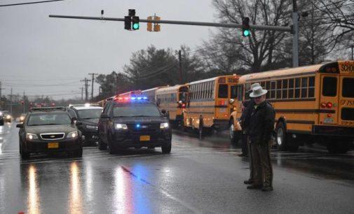 Un tirador es abatido luego de herir a tres personas en una escuela de Estados Unidos