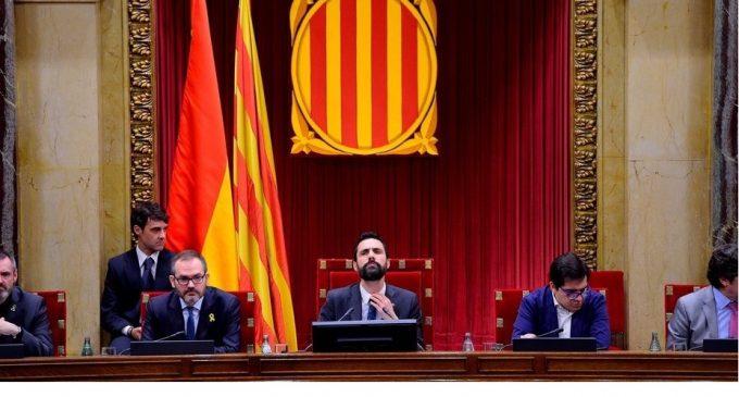 Parlamento catalán desafía a España y votará a Puigdemont como presidente