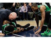 Terrible caída de un jugador en la NBA