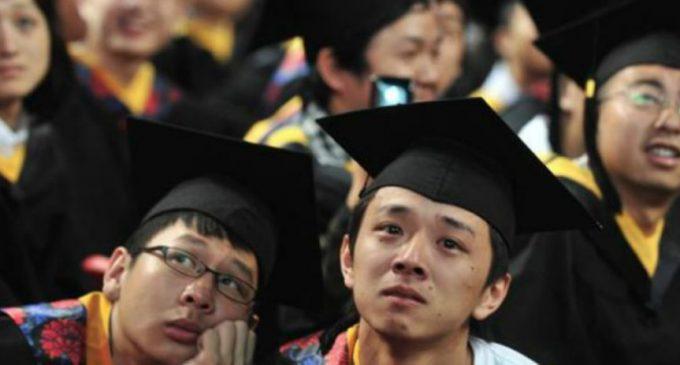 CHINA| Ingenioso método para que estudiantes no se enborrachen