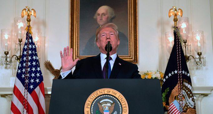 """Trump aplaude el """"ataque perfectamente ejecutado"""" contra Siria"""