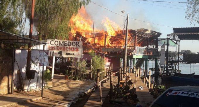 Incendio consume comedores en Remanso