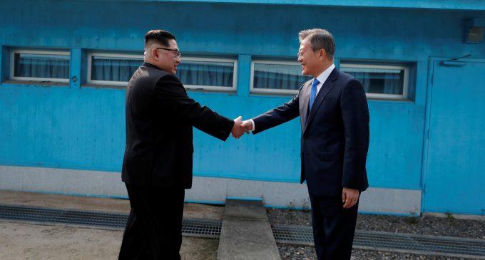"""Las dos Coreas pactan avanzar hacia la """"total desnuclearización"""""""