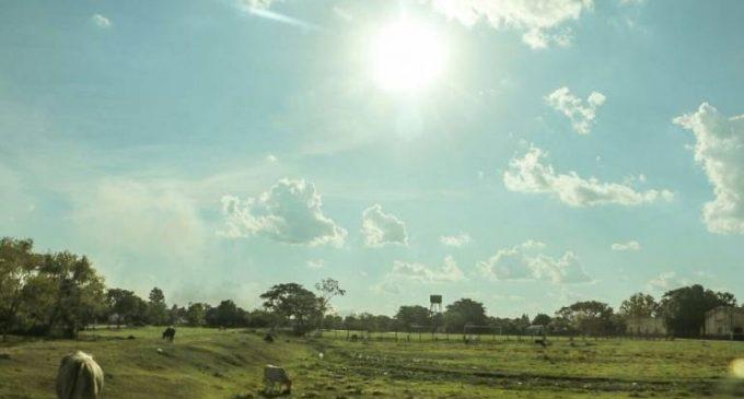Anuncian domingo caluroso y con posibles lluvias dispersas