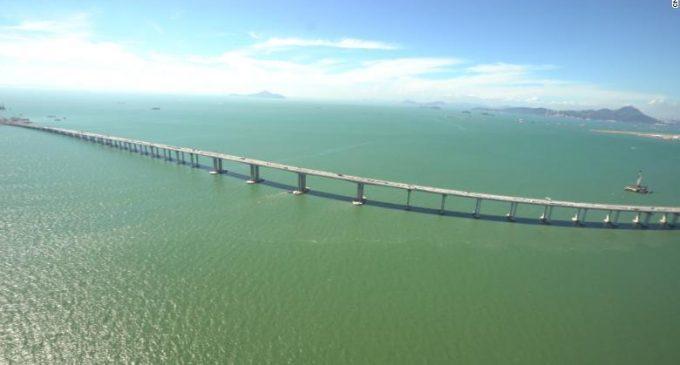 Otra vez China: El gigante asiático inaugura el puente sobre el mar más largo del mundo [FOTOS]