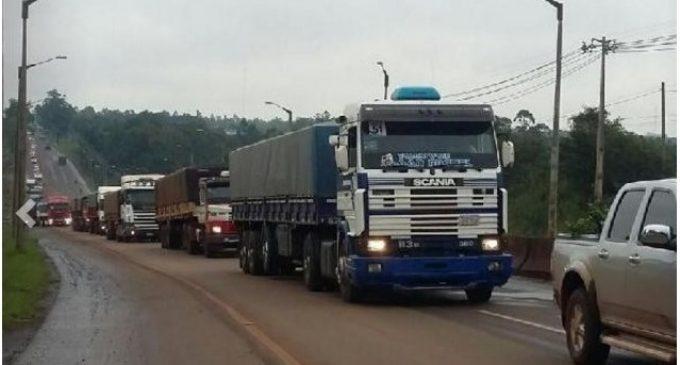 Camioneros analizan ir a paro nacional tras suba de combustibles