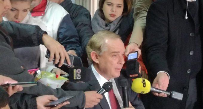 """""""A mí no me hacen falta US$ 100.000"""": Ministro Gneiting niega pedido de coima y anuncia acciones legales"""