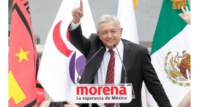 López Obrador repunta a menos de un mes de elecciones presidenciales en México, según sondeo