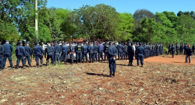 Campesinos temen desalojo ante fuerte despliegue policial para zafra de soja en Guahory