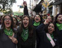 Diputados aprueban aborto legal en Argentina