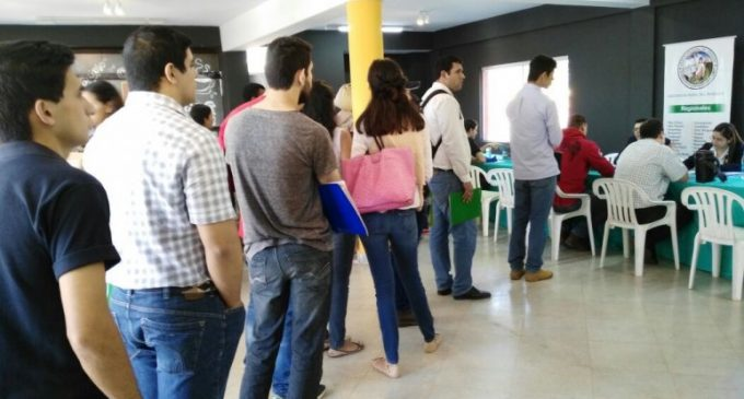 Feria de empleos se traslada a la Expo de Roque Alonso