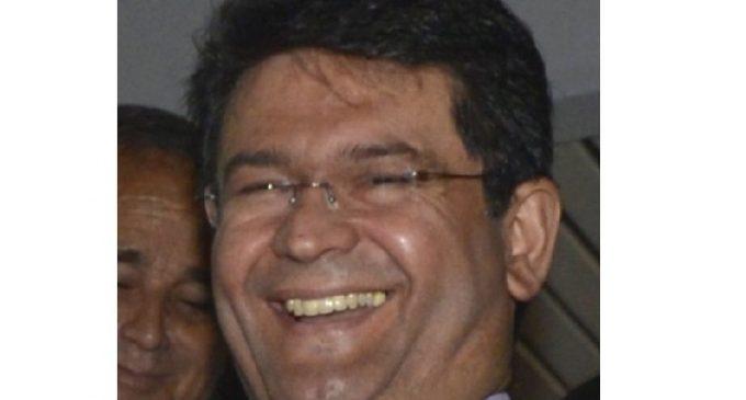 Por amistad, diputado se inhibirá de apoyar pérdida de investidura de Ibáñez