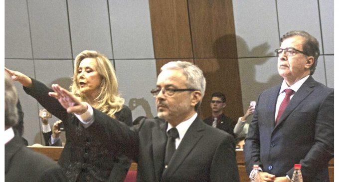 """Villamayor dice que juramento de Gusinky """"no legitima"""" su titularidad en Senado"""