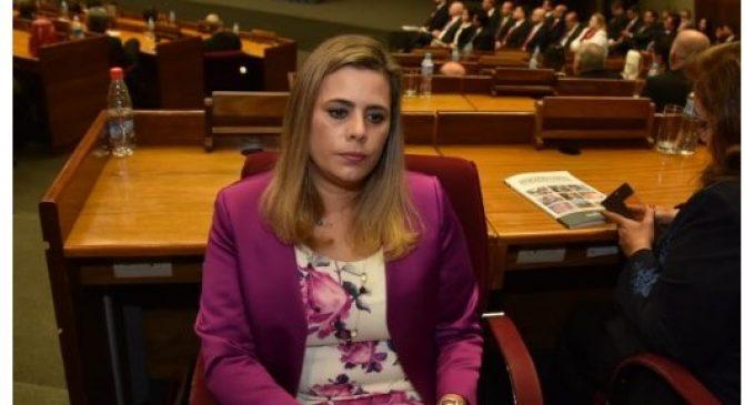 """Kattya González: """"Le di la espalda porque Cartes viola la Constitución"""""""