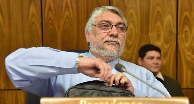 "Exasesor del TSJE acusa a Lugo de haber emitido un ""mandato dictatorial"""