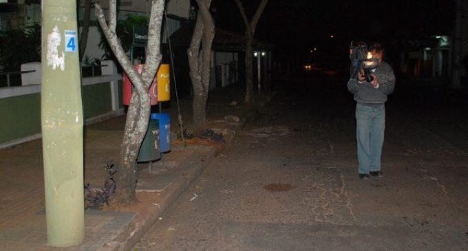 Joven resulta víctima de balazo en supuesta disputa entre barrabravas