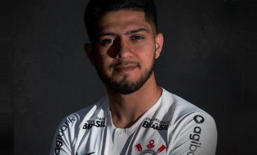 Corinthians le da la bienvenida a Sergio Díaz