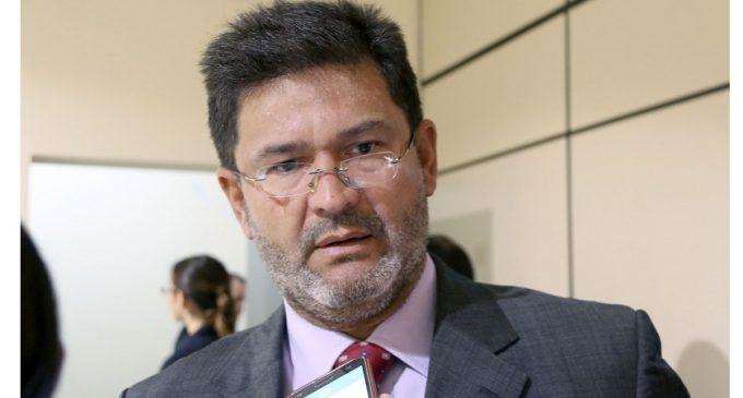 Colegio de Abogados apoya pérdida de investidura de Ibáñez
